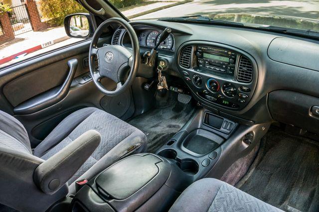 2005 Toyota Tundra Ltd 4WD - CAMPER - TOW PKG Reseda, CA 33