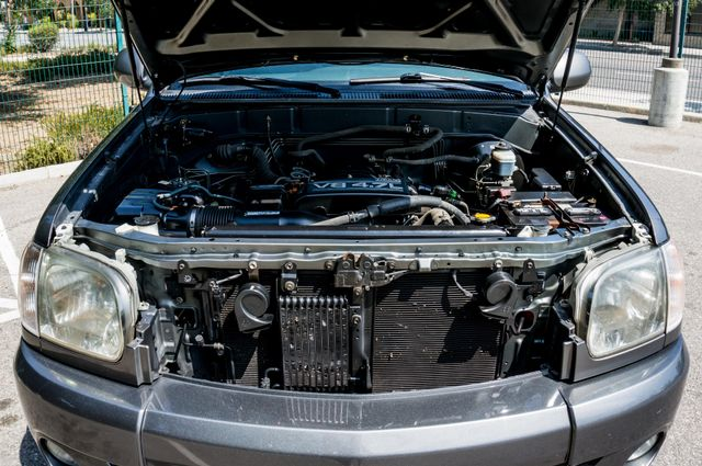 2005 Toyota Tundra Ltd 4WD - CAMPER - TOW PKG Reseda, CA 37