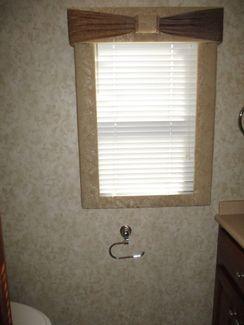 2005 Travel Supreme 42DSO4   city Florida  RV World of Hudson Inc  in Hudson, Florida