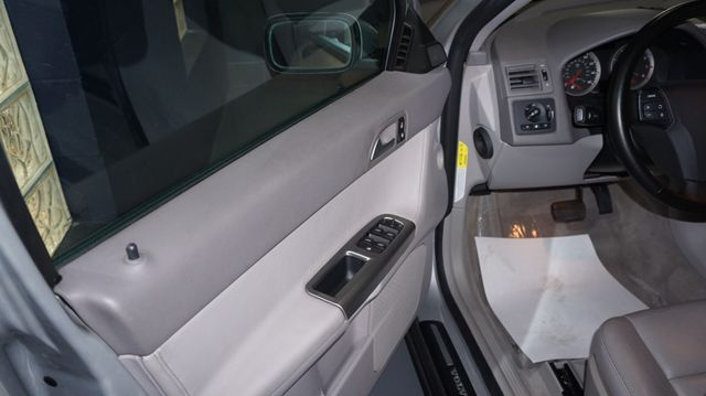 2005 Volvo S40 T5 AWD Bridgeville, Pennsylvania 4