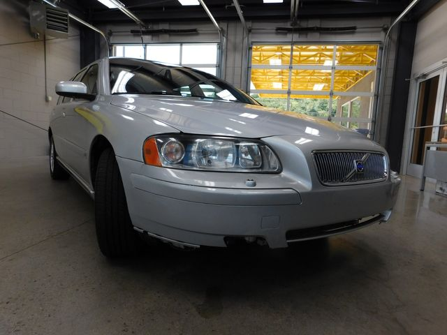 2005 Volvo V70 in Airport Motor Mile ( Metro Knoxville ), TN 37777