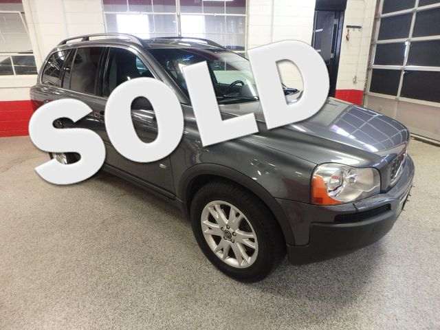 2005 Volvo Xc90 Awd. 4.4lv-8 EXCELLENT CONDITION, 3RD ROW SEATING. SAFE!! Saint Louis Park, MN