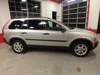 2005 Volvo Xc90 Awd, 3rd Row SHARP EXTERIOR, MECHANICALLY SOUND Saint Louis Park, MN 1