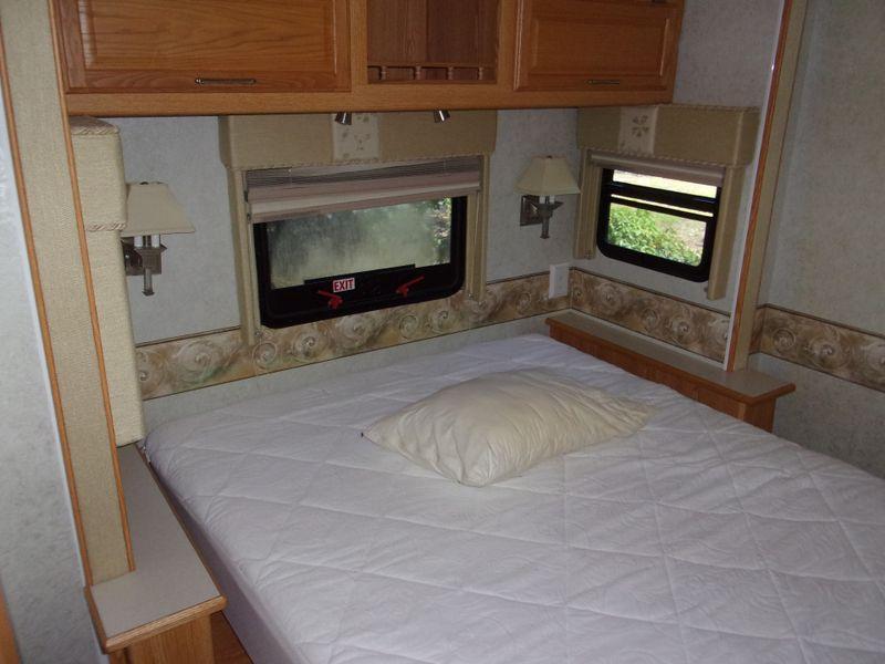 2005 Winnebago ADVENTURER 35FT   city FL  Manatee RV  in Palmetto, FL