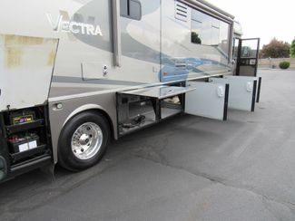 2005 Winnebago Vectra 40AD 3 Slides Bend, Oregon 32
