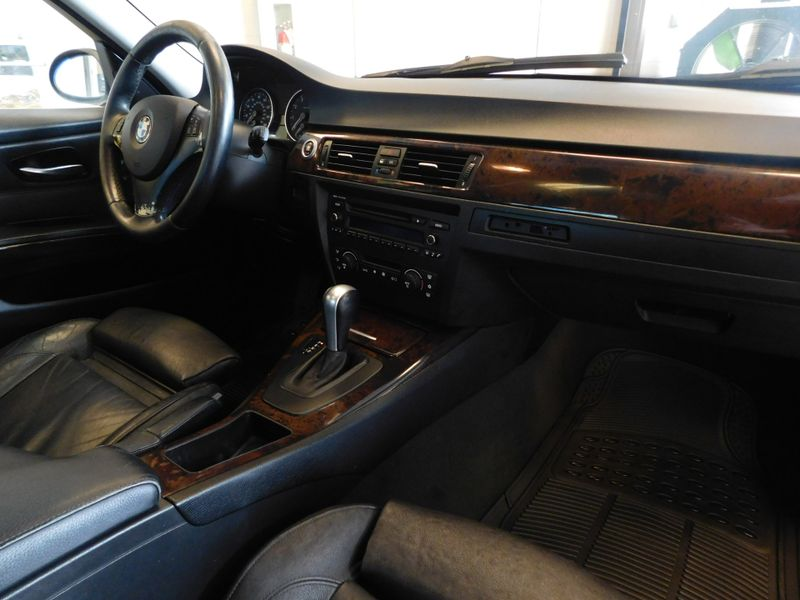 2006 BMW 330i I  city TN  Doug Justus Auto Center Inc  in Airport Motor Mile ( Metro Knoxville ), TN