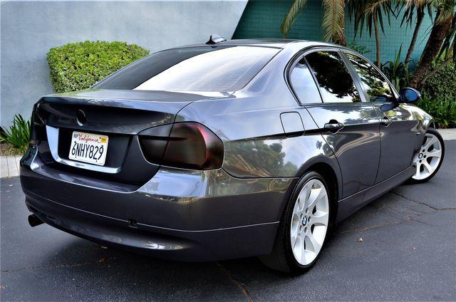 2006 BMW 330i MANUAL TRANSMISSION in Reseda, CA, CA 91335