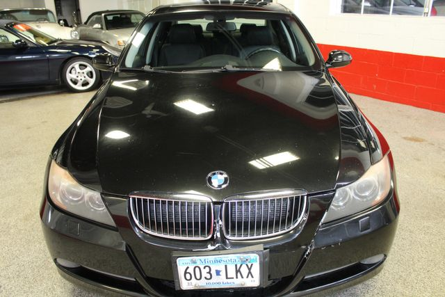 2006 Bmw 330xi Solid! AWD, SHARP LITTLE BEAMER!~ Saint Louis Park, MN 13