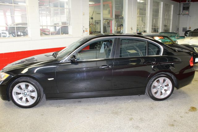 2006 Bmw 330xi Solid! AWD, SHARP LITTLE BEAMER!~ Saint Louis Park, MN 1