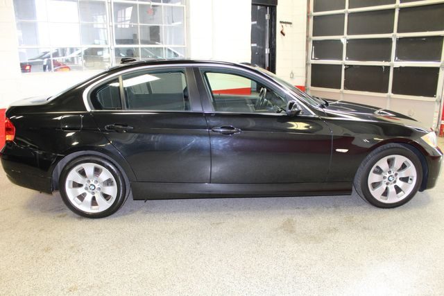 2006 Bmw 330xi Solid! AWD, SHARP LITTLE BEAMER!~ Saint Louis Park, MN 9