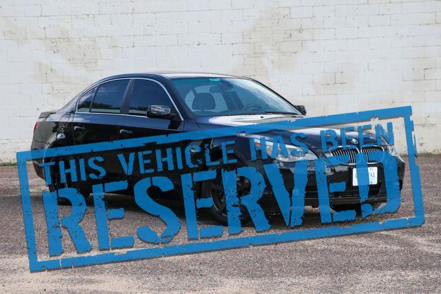 2006 BMW 530xi xDrive AWD Sport Sedan w/Blacked Out Wheels, Heated Seats, Moonroof, Xenon Lights & Hi-Fi Audio