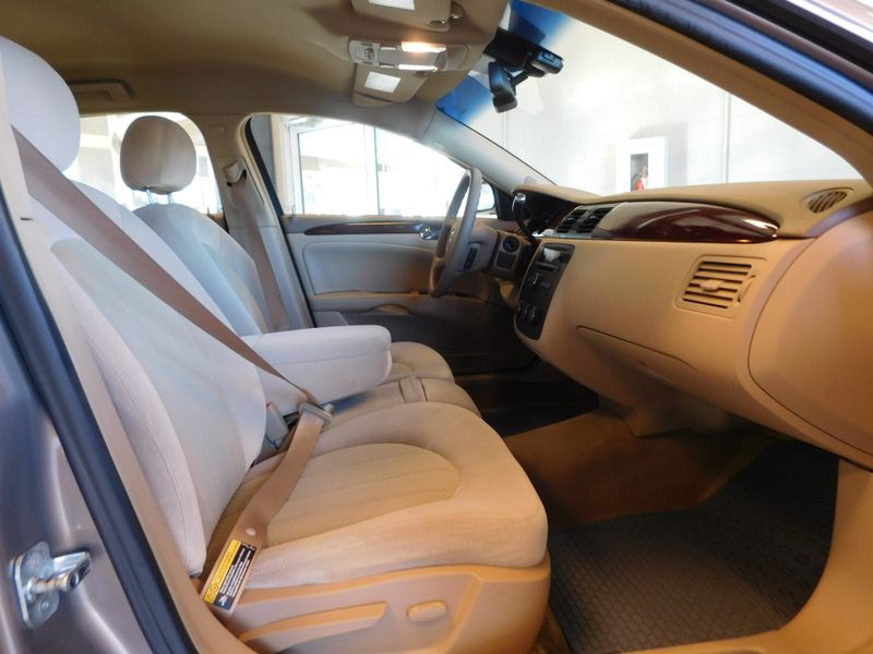 2006 Buick Lucerne CX  city TN  Doug Justus Auto Center Inc  in Airport Motor Mile ( Metro Knoxville ), TN