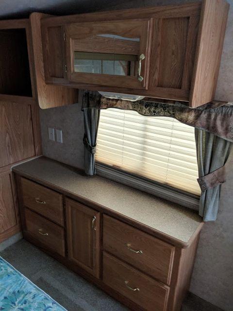 2006 Cedar Creek Silverback 33LBHTS Mandan, North Dakota 12