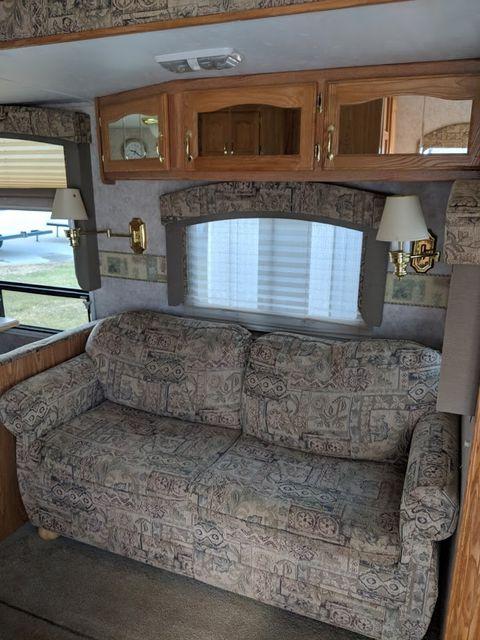 2006 Cedar Creek Silverback 33LBHTS Mandan, North Dakota 5