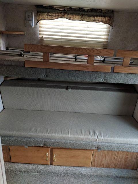 2006 Cedar Creek Silverback 33LBHTS Mandan, North Dakota 8