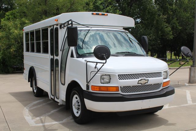 2006 Chevy Express G3500 10 Passenger Collins Shuttle Bus - Low Miles C6Y SRW Irving, Texas 1