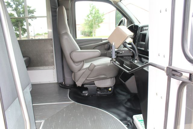 2006 Chevy Express G3500 10 Passenger Collins Shuttle Bus - Low Miles C6Y SRW Irving, Texas 11