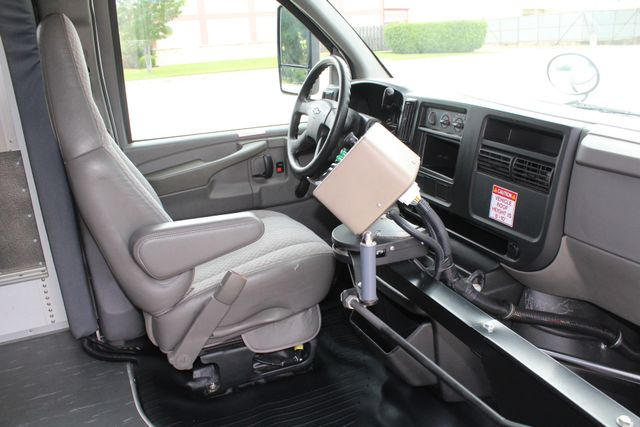 2006 Chevy Express G3500 10 Passenger Collins Shuttle Bus - Low Miles C6Y SRW Irving, Texas 12