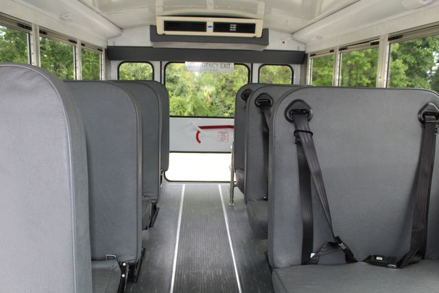 2006 Chevy Express G3500 10 Passenger Collins Shuttle Bus - Low Miles C6Y SRW Irving, Texas 15