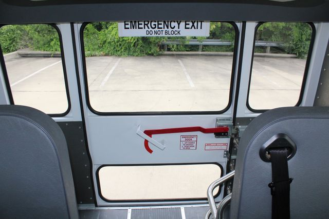 2006 Chevy Express G3500 10 Passenger Collins Shuttle Bus - Low Miles C6Y SRW Irving, Texas 17