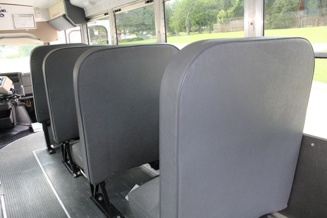 2006 Chevy Express G3500 10 Passenger Collins Shuttle Bus - Low Miles C6Y SRW Irving, Texas 19