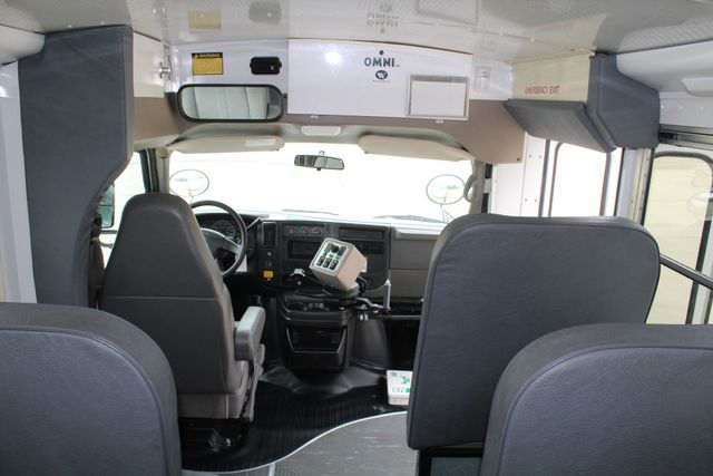 2006 Chevy Express G3500 10 Passenger Collins Shuttle Bus - Low Miles C6Y SRW Irving, Texas 21