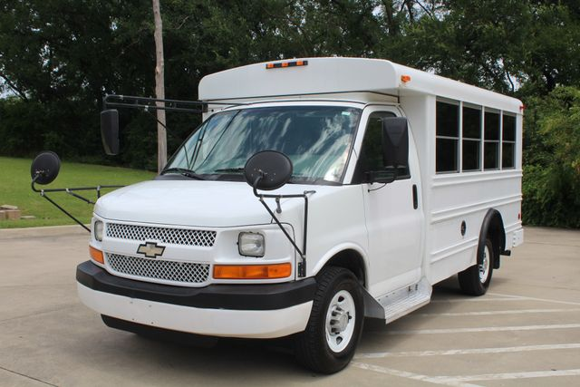 2006 Chevy Express G3500 10 Passenger Collins Shuttle Bus - Low Miles C6Y SRW Irving, Texas 3