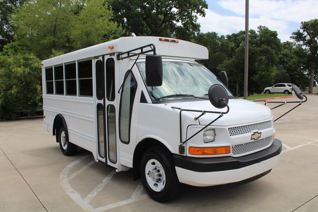 2006 Chevy Express G3500 10 Passenger Collins Shuttle Bus - Low Miles C6Y SRW Irving, Texas 56