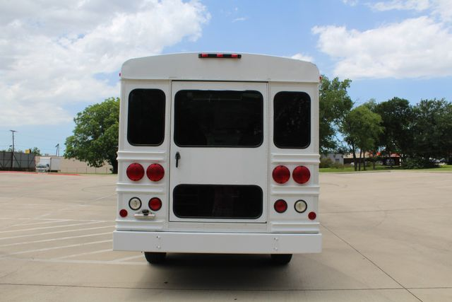 2006 Chevy Express G3500 10 Passenger Collins Shuttle Bus - Low Miles C6Y SRW Irving, Texas 7