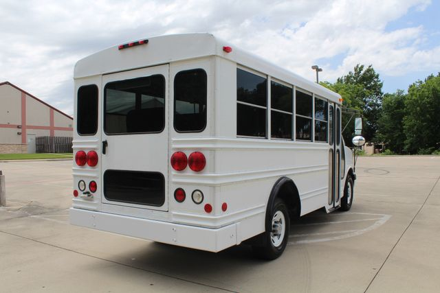 2006 Chevy Express G3500 10 Passenger Collins Shuttle Bus - Low Miles C6Y SRW Irving, Texas 8