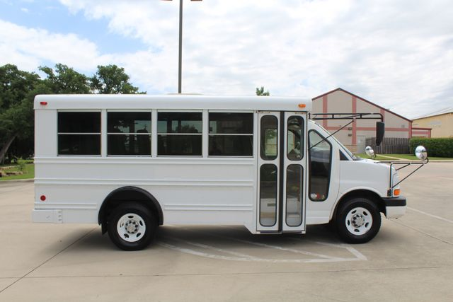 2006 Chevy Express G3500 10 Passenger Collins Shuttle Bus - Low Miles C6Y SRW Irving, Texas 9