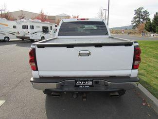 2006 Chevrolet Silverado 1500 Crew Cab 4WD LT2 Bend, Oregon 2
