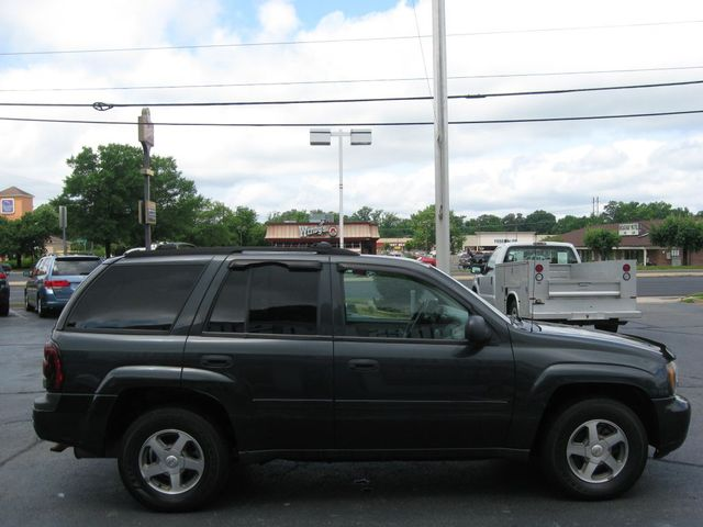 2006 Chevrolet TrailBlazer LS 4X4 Richmond, Virginia 4