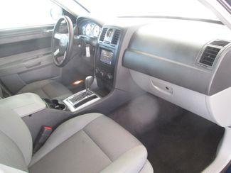 2006 Chrysler 300 Gardena, California 8