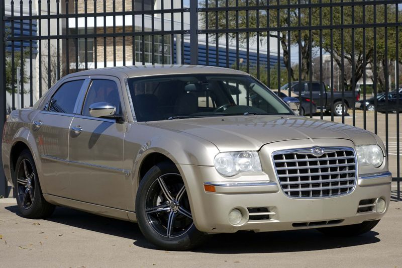 2006 Chrysler 300 C* HEMI* Leather* EZ Finance** | Plano, TX | Carrick's Autos in Plano TX