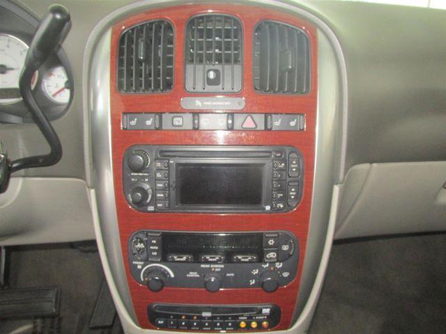 2006 Chrysler Town & Country Limited Gardena, California 6