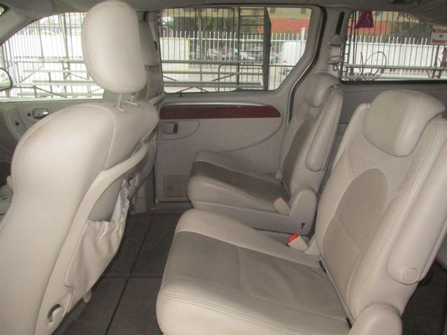 2006 Chrysler Town & Country Limited Gardena, California 9