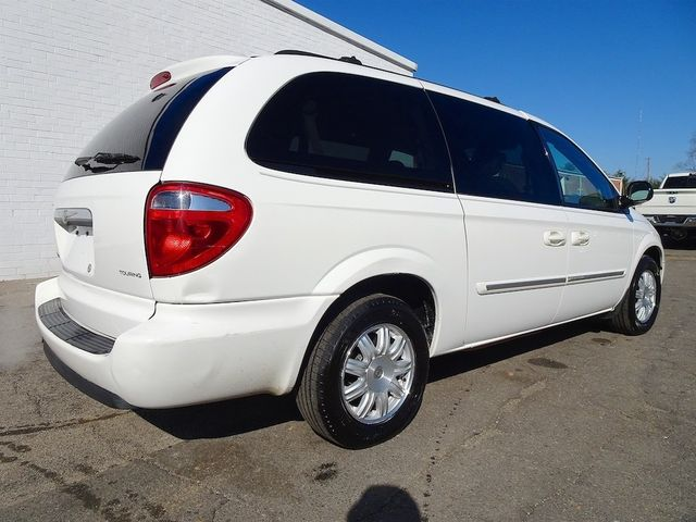 2006 Chrysler Town & Country Touring Madison, NC 2