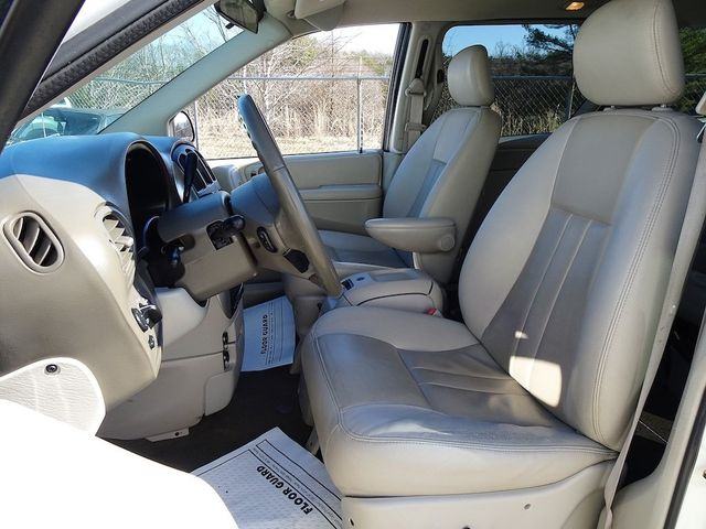 2006 Chrysler Town & Country Touring Madison, NC 21