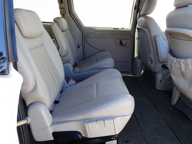 2006 Chrysler Town & Country Touring Madison, NC 28