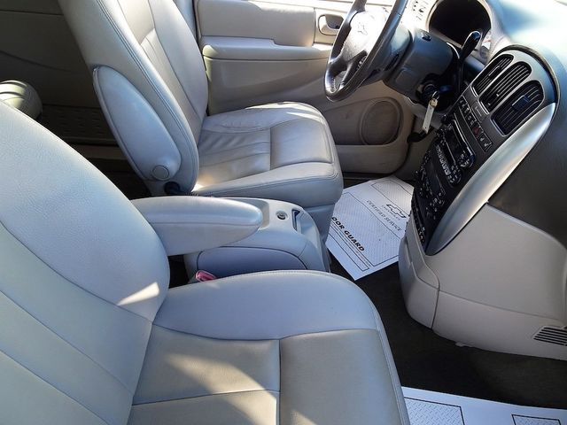 2006 Chrysler Town & Country Touring Madison, NC 38