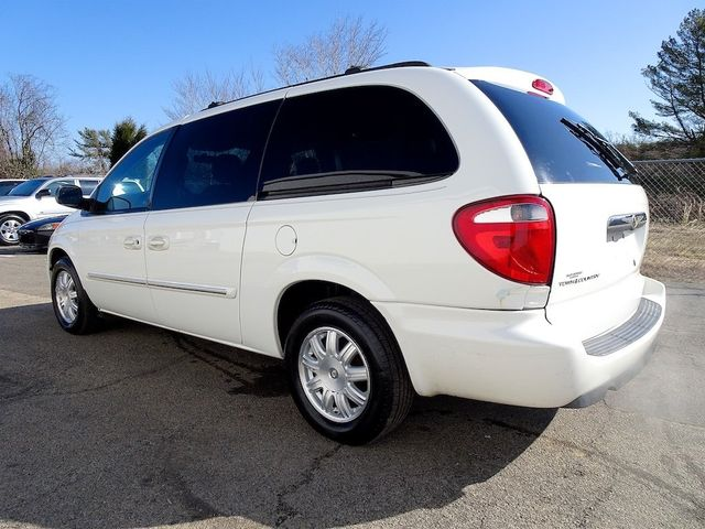 2006 Chrysler Town & Country Touring Madison, NC 4
