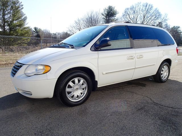 2006 Chrysler Town & Country Touring Madison, NC 6