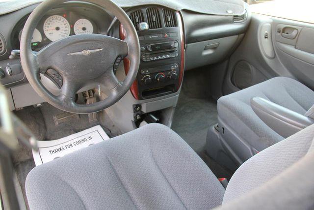 2006 Chrysler Town & Country LX Santa Clarita, CA 8