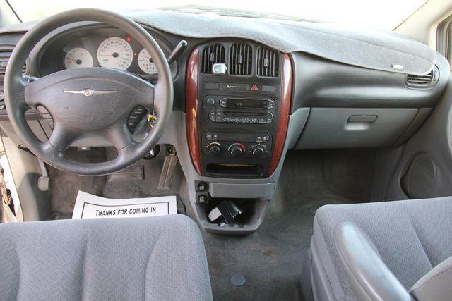 2006 Chrysler Town & Country LX Santa Clarita, CA 7