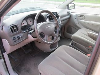 2006 Chrysler Town 38 Country Touring  city TX  StraightLine Auto Pros  in Willis, TX