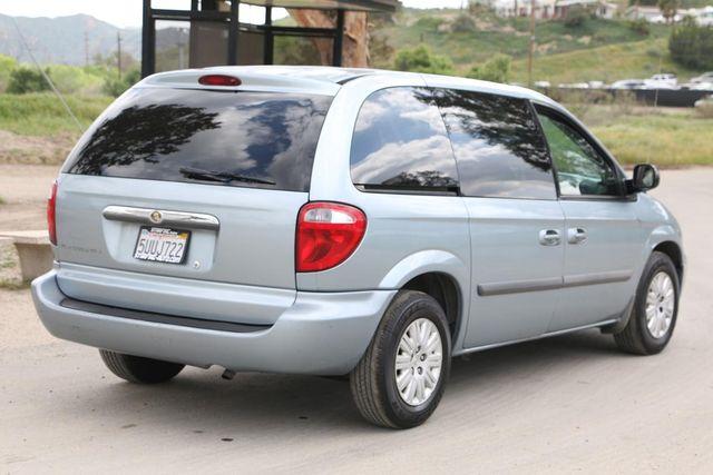 2006 Chrysler Town & Country Santa Clarita, CA 6
