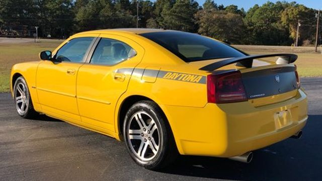 2006 Dodge Charger R/T in Hope Mills NC, 28348