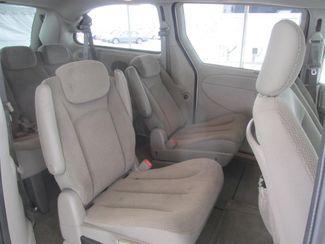 2006 Dodge Grand Caravan SXT Gardena, California 11