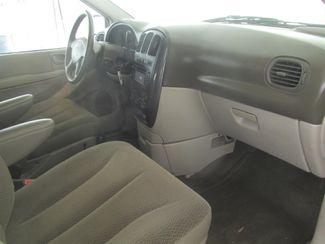 2006 Dodge Grand Caravan SXT Gardena, California 7